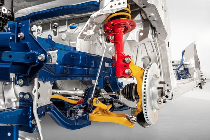 Új Toyota Yaris felfüggesztés
